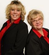 Tracy Norris and Rosemary Willis, Agent in Lake Oswego, OR