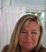 Renae Perrett, Real Estate Agent in Carolina Beach, NC
