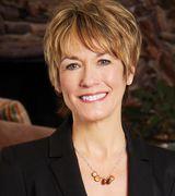Sue Lucas, Real Estate Pro in Hartland, WI