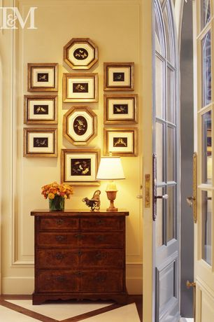 Traditional Entryway