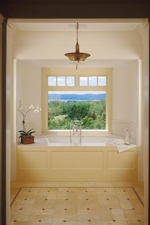 Traditional Master Bathroom with Hinkley Lighting 3443VS Zelda Large Pendant, Vintage Brass, Columns, Master bathroom