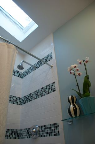 Modern Full Bathroom with Giorbello California Random Sized Cristezza Glass Tile in Black Pepper, tiled wall showerbath