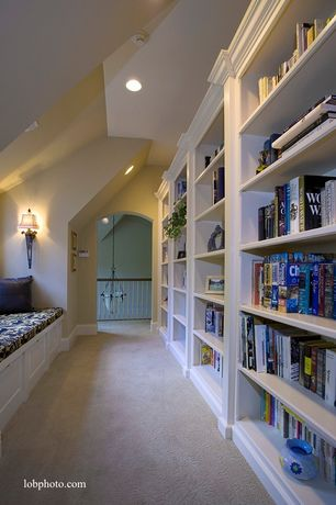 Traditional Hallway with Dixie group trusoft pompadour cream textured indoor carpet, Wall sconce, Reading nook, Home library