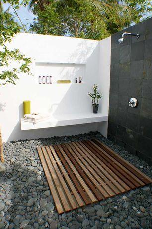 "Contemporary Landscape/Yard with Landscape Rocks - Del Rio, Fence, Roterra Slate Tiles - Indian Black 12"" x 12"""