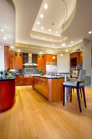 "Modern Kitchen with Pendant light, Undermount sink, 60"" Outdoor/Wall Range Hood (TRHS796-304-60), U-shaped, Glass panel"