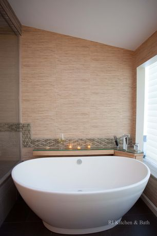 Contemporary Master Bathroom with Ivoria Travertine | Vein Cut | Straight Edge | Unfilled | 12x24 | Brushed, Glass counters