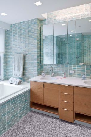 Modern Full Bathroom with quartz floors, Handheld showerhead, Large Ceramic Tile, Pebble Tile Mosaics Mini Mixed Pebble Tile