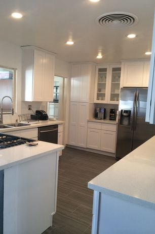 Traditional Kitchen with Standard height, Simple granite counters, dishwasher, Stainless undermount 2-basin sink, can lights