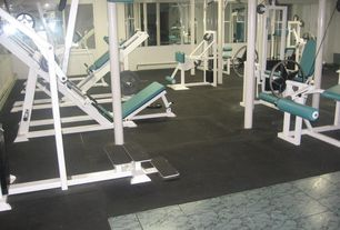 Traditional Home Gym with Standard height, picture window, Carpet, stone tile floors, simple marble tile floors, Columns