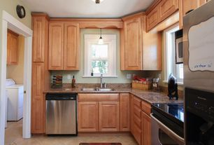 Traditional Kitchen with Raised panel, L-shaped, Daltile Catalina Canyon Noce Porcelain Floor and Wall Tile, Flush