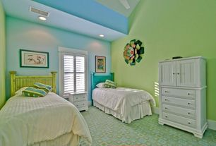 Traditional Guest Bedroom with Ceiling fan, can lights, Carpet, Standard height
