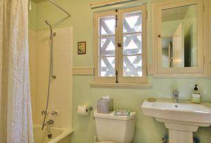 Traditional Full Bathroom with Handheld showerhead, tiled wall showerbath, Pedestal sink, Flush, Glass panel