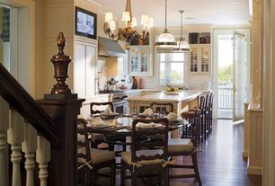 Traditional Kitchen with Crown molding, Eat in kitchen, Kitchen island, Breakfast nook, Complex Marble, Chandelier, U-shaped