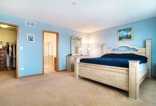 Craftsman Master Bedroom with Carpet