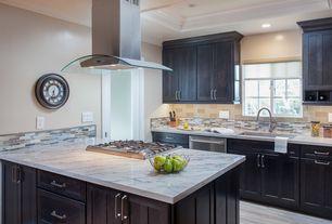 Traditional Kitchen with Hardwood floors, Auburn Shaker Style Flat Panel Cabinet Door, Undermount sink, Crown molding