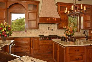 Craftsman Kitchen with Chandelier, Farmhouse sink, Jup Golden Sunset, Kitchen island, U-shaped, Maple aubum, Raised panel
