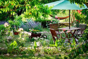 Cottage Patio with Raised beds, Fence, Vifah Malibu 5 Piece Dining Set