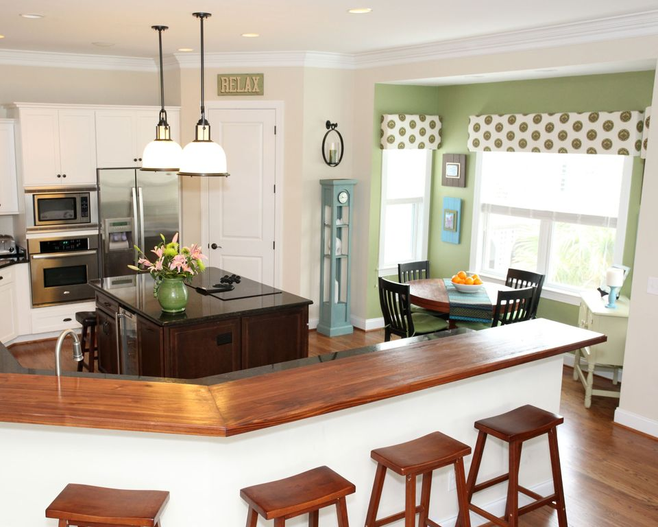 Cottage Kitchen with Walk-in pantry, Kitchen island, Eat in kitchen, Paint 2, Pendant light, wall oven, Hardwood floors