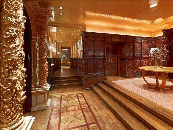 Mediterranean Hallway