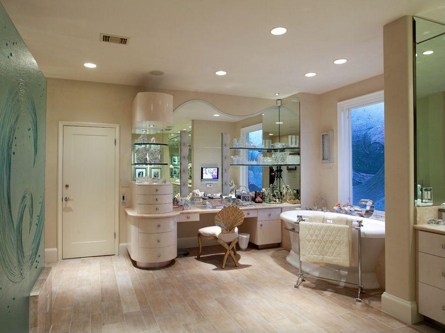 Traditional Master Bathroom with European Cabinets, Flush, full backsplash, Bathtub, Standard height, Freestanding, Limestone