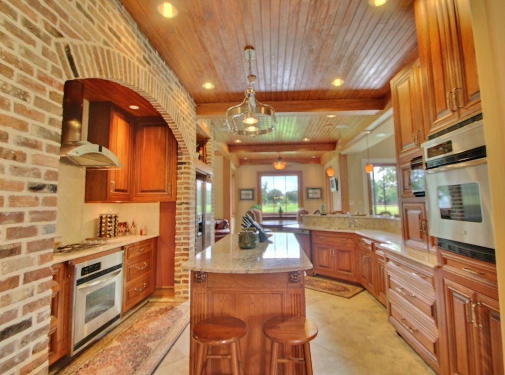 Craftsman Kitchen with partial backsplash, Standard height, Paint 1, Raised panel, built-in microwave, Flush, Paint 3