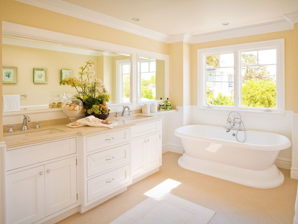 Great Cottage Full Bathroom Zillow Digs