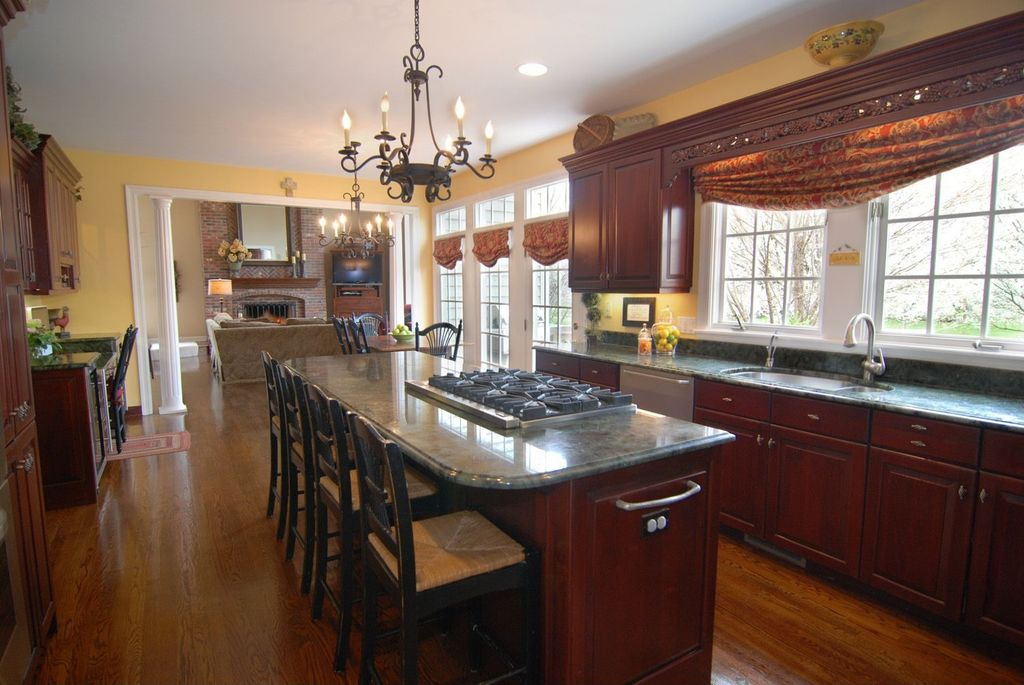 Traditional Kitchen with Complex Granite, French Castle Style Five Candle Lights Traditional Chandelier, Paint 1, U-shaped