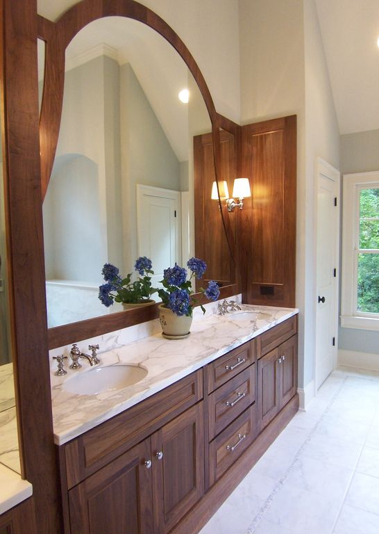 Traditional Master Bathroom with Undermount sink, Flat panel cabinets, three quarter bath, can lights, Double sink