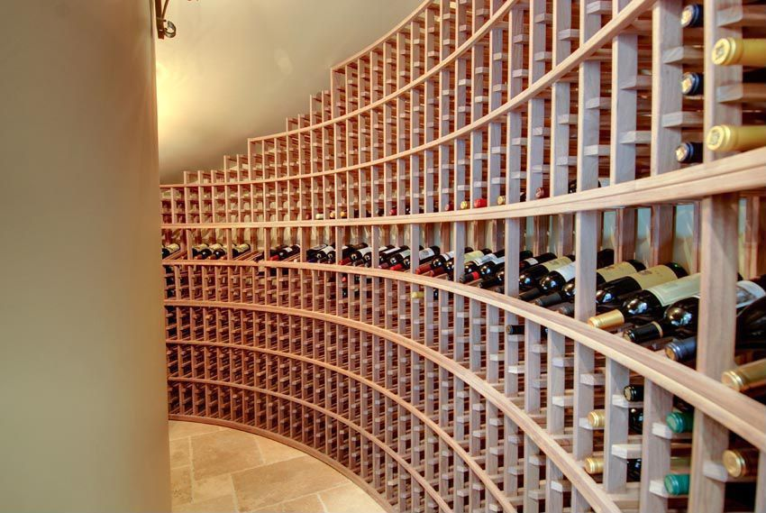 Traditional Wine Cellar with Standard height, Columns