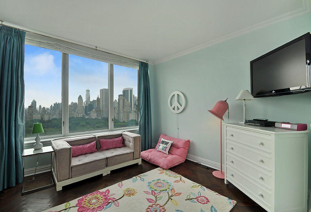 Modern Kids Bedroom with no bedroom feature, Standard height, Casement, Hardwood floors, Crown molding