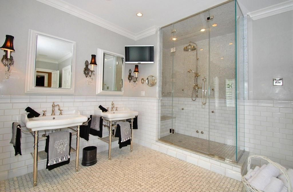 Traditional Master Bathroom with can lights, Double sink, Wall sconce, frameless showerdoor, Standard height, Wall Tiles