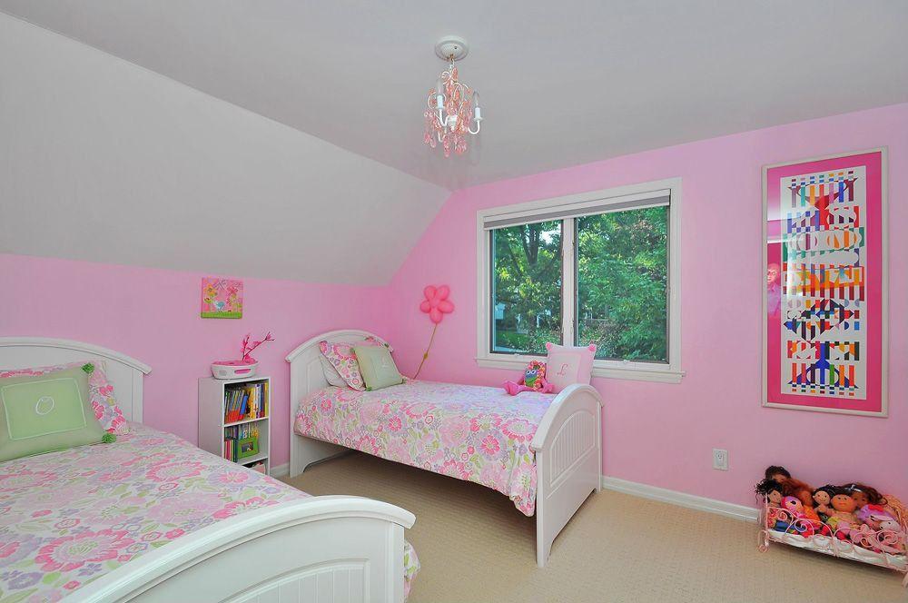 Traditional Kids Bedroom with Standard height, Chandelier, no bedroom feature, Carpet, Casement