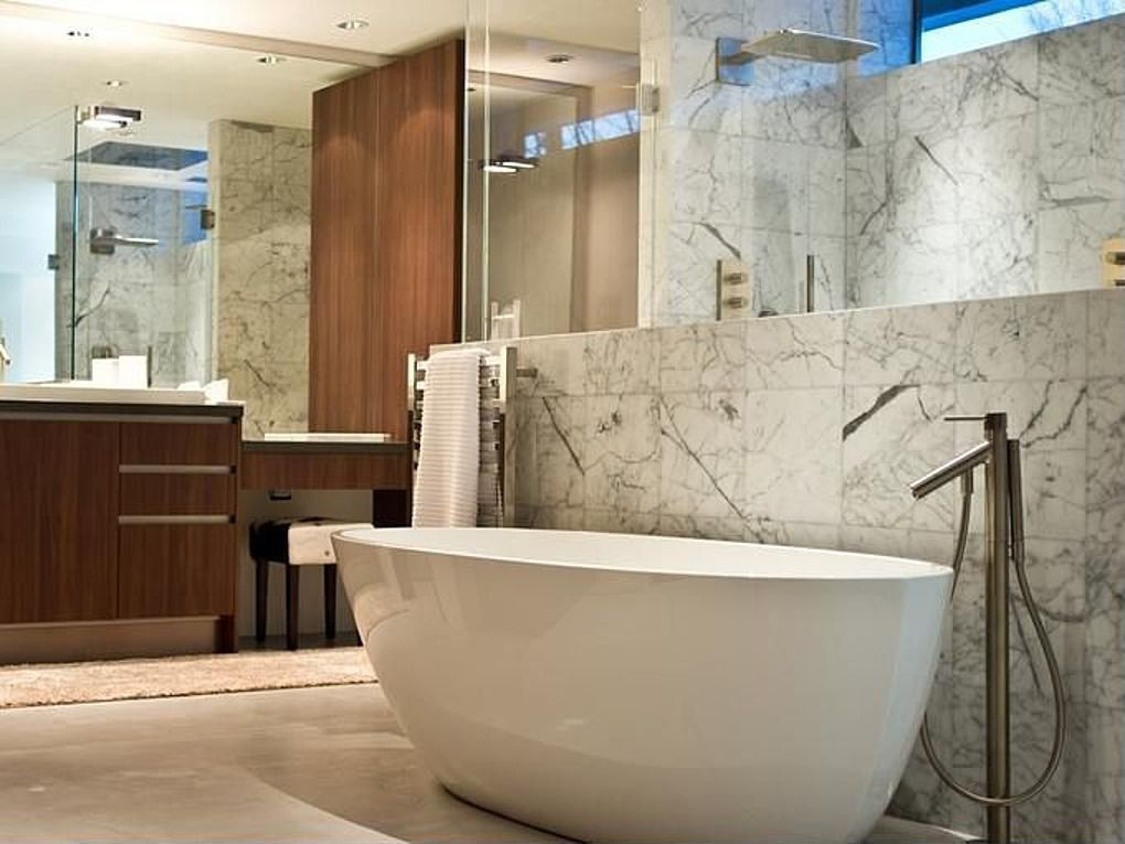 Contemporary Master Bathroom with Handheld showerhead, limestone floors, Wall Tiles, Master bathroom, Freestanding, Bathtub