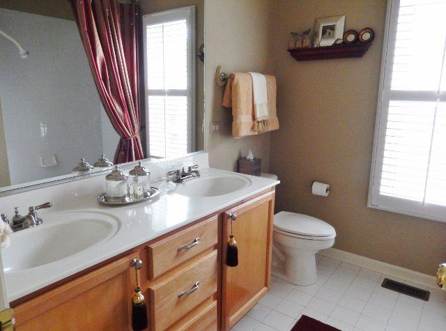 Craftsman Full Bathroom