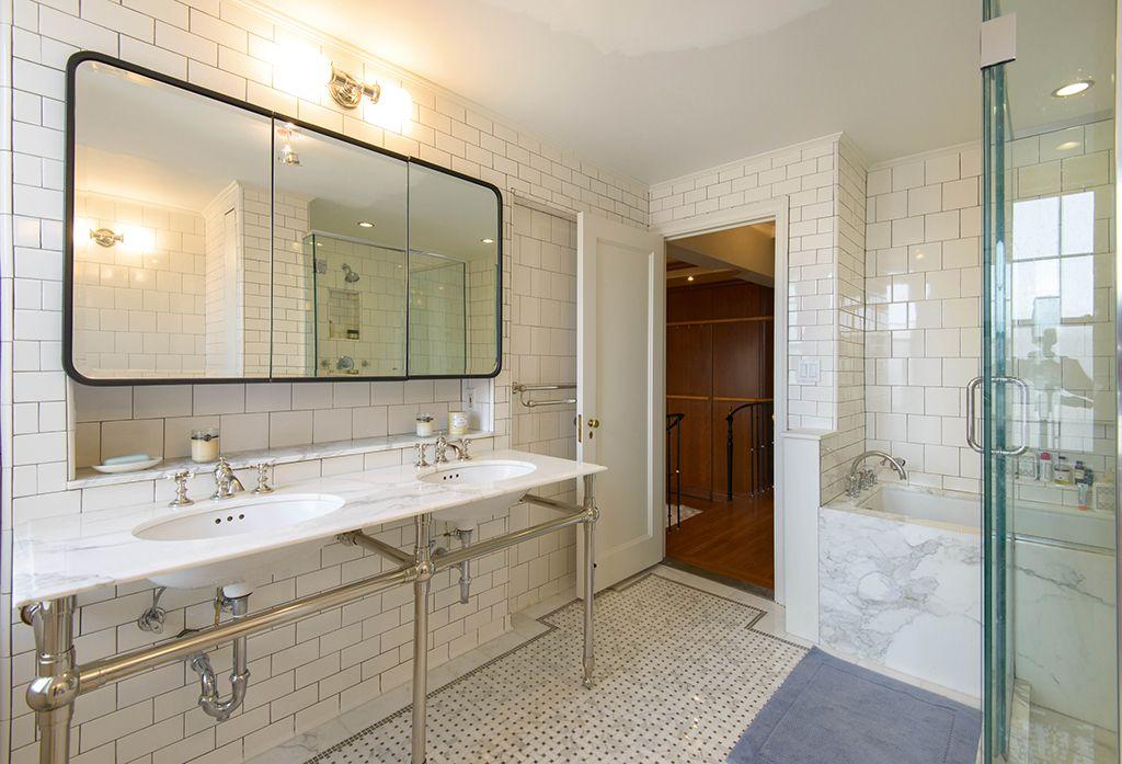Traditional Master Bathroom with Console sink, Double sink, frameless showerdoor, Master bathroom, specialty door, Bathtub