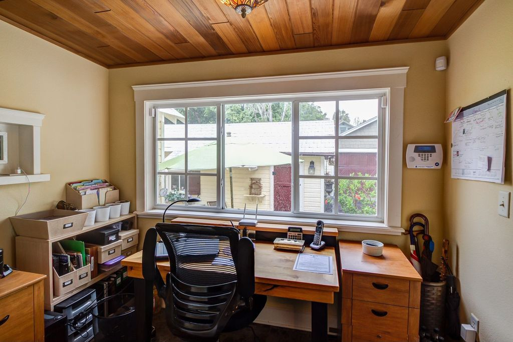 Traditional Home Office with Carpet, flush light, Casement, Standard height