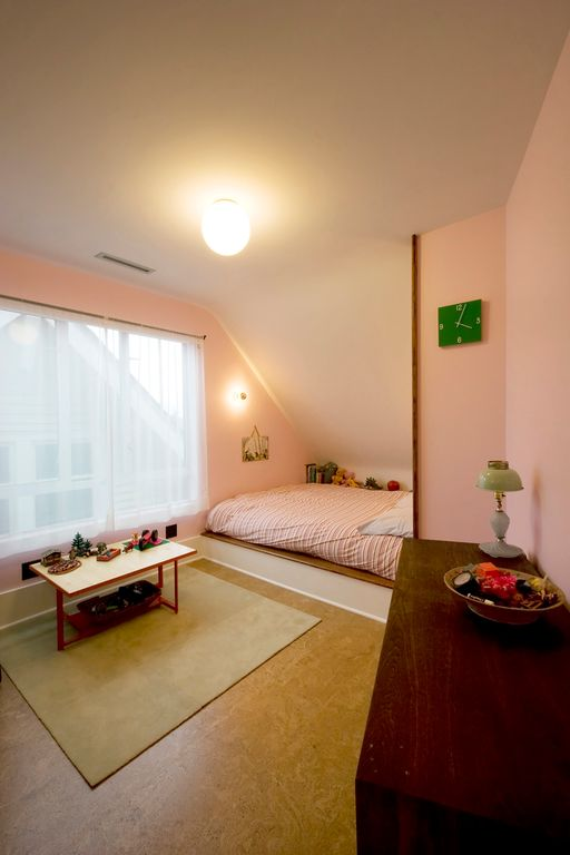 Contemporary Master Bedroom with Concrete floors, Art desk, picture window, Wall sconce, flush light, Standard height