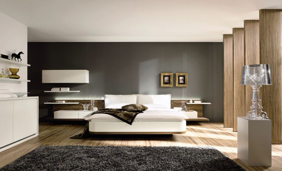 Contemporary Master Bedroom with Standard height, Built-in bookshelf, Columns, Laminate floors