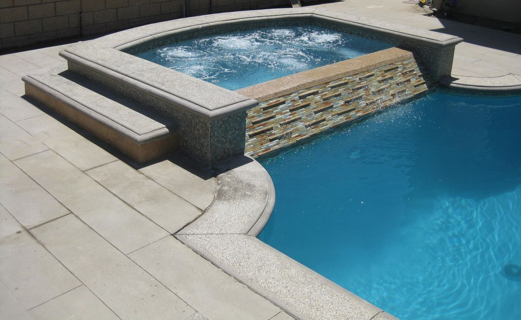 Contemporary Hot Tub with exterior stone floors