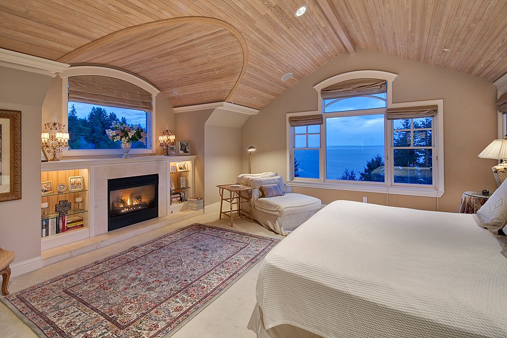 Cottage Master Bedroom with Fireplace, can lights, Standard height, Samad Sovereign Isabella ivory-cream Area Rug, Paint 1