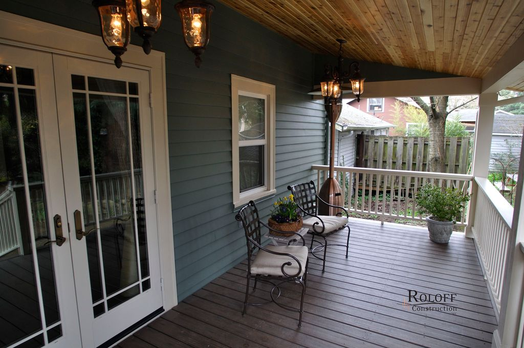 Traditional Porch with Fence, double-hung window, Deck Railing, French doors, Screened porch
