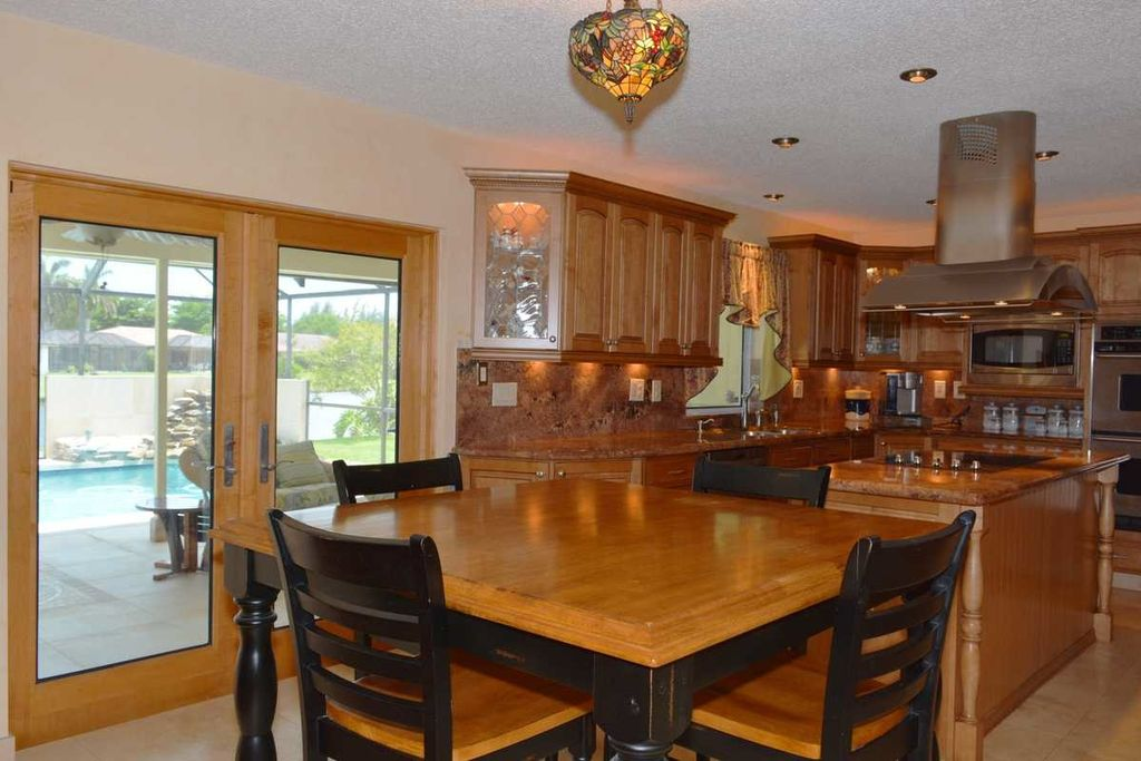 craftsman dining room with flush light high ceiling in