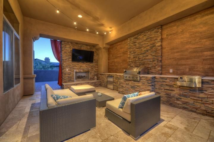 Contemporary Patio With Outdoor Kitchen Fence In Scottsdale Az Zillow Digs