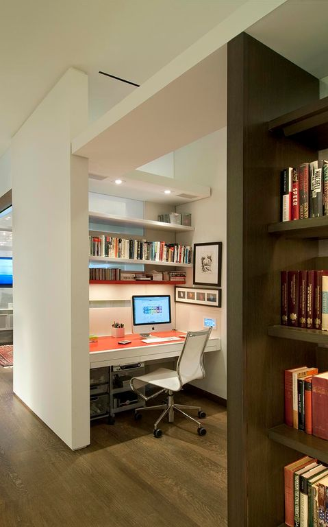 Contemporary Home Office with Built-in bookshelf, Hardwood floors, Ave Six Avenue 6 Dorado Office Chair