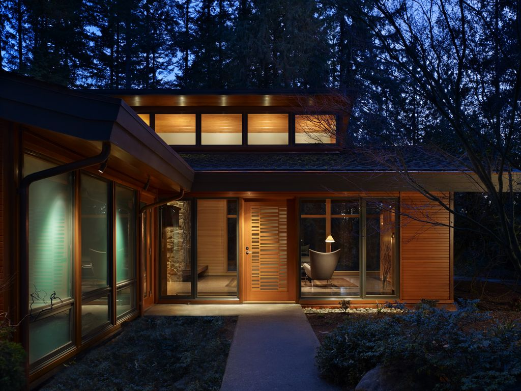 Great contemporary front door zillow digs for Modern house zillow