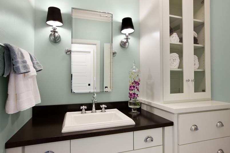 Traditional Full Bathroom