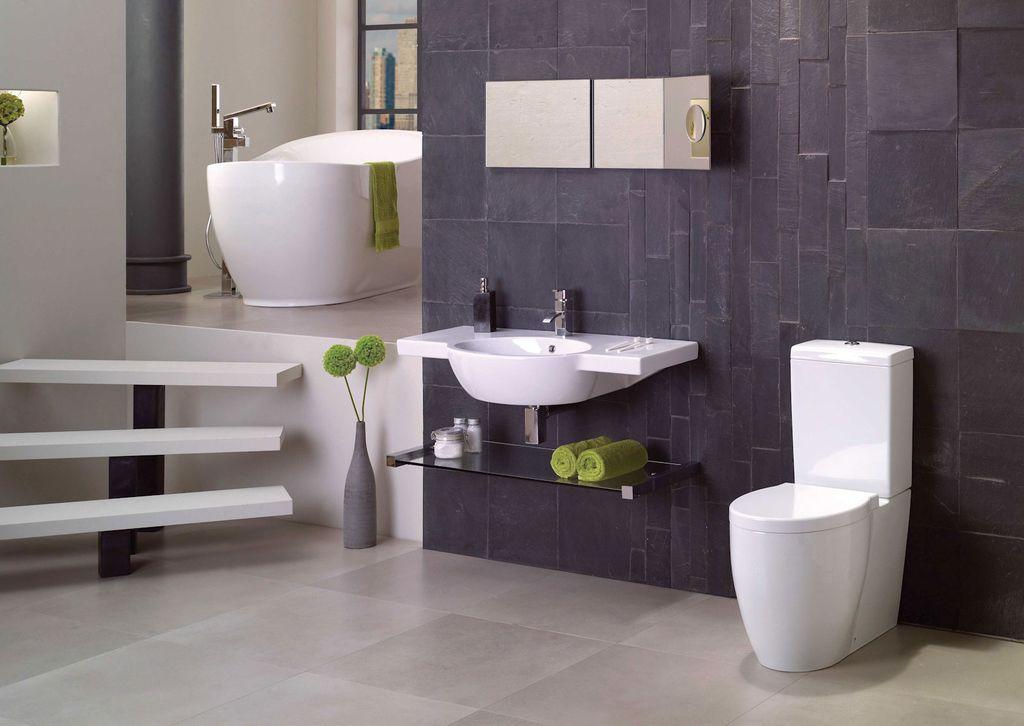 Modern Full Bathroom with Simple marble counters, Undermount bathroom sink, Bathtub, High ceiling, Ceramic/quartz floor tile