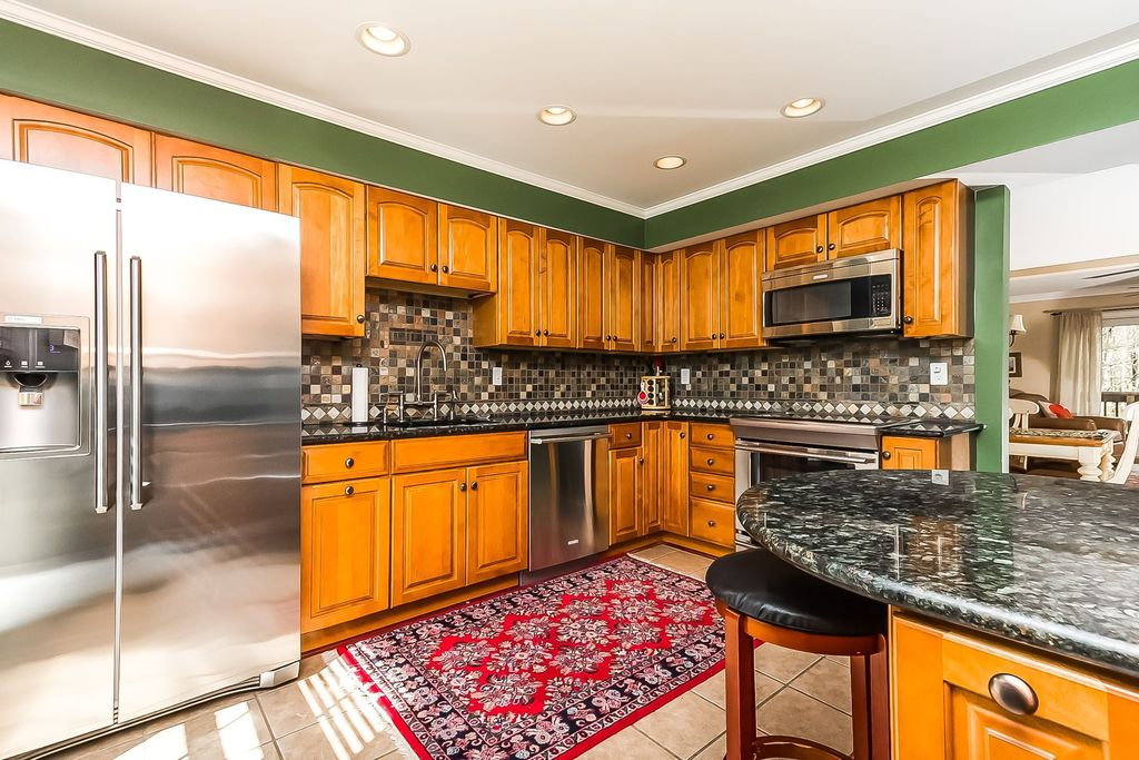 Country Kitchen with built-in microwave, Ms international jania cream limestone tile, L-shaped, Complex granite counters