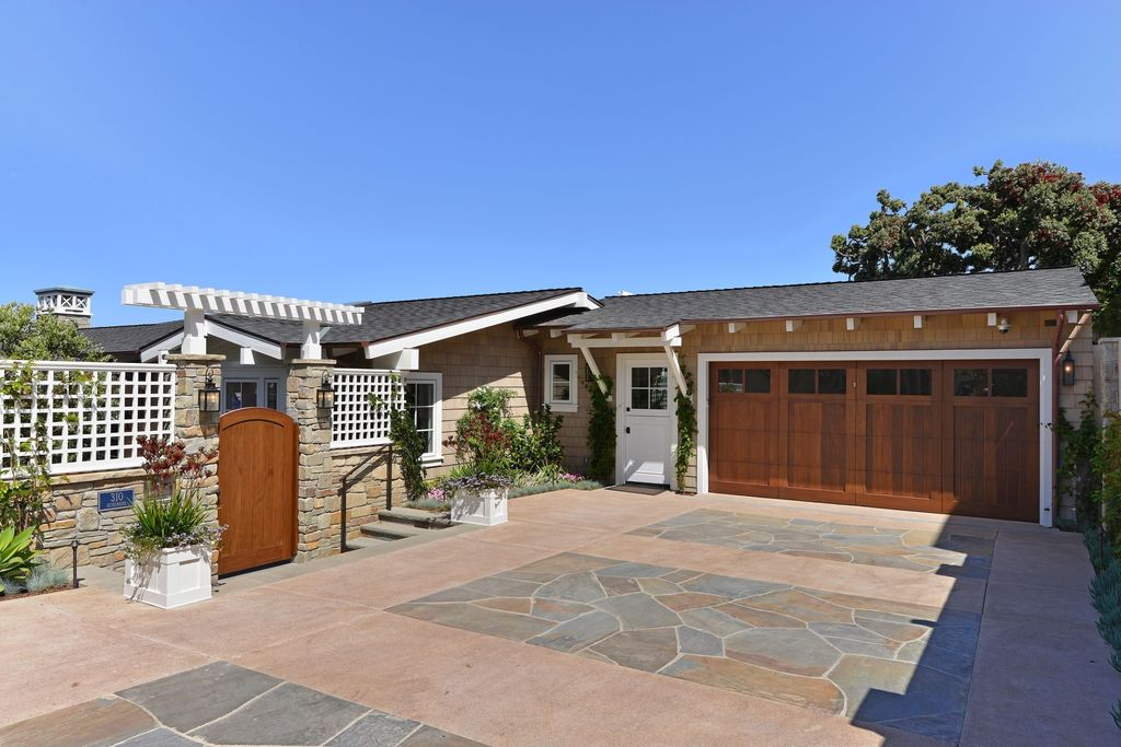 Traditional Garage with Gate, Fence, Glass panel door, Stained gate, Stained wood, Concrete, Raised beds, Flagstone, Pathway
