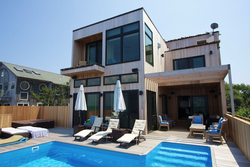 Modern Swimming Pool with Outdoor lounge, Fence, Pathway, sliding glass door, picture window, Trellis, Other Pool Type